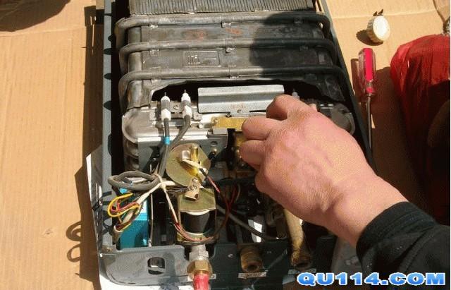 万和集团-郑州万和热水器售后维修服务