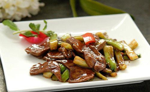 肥肉和动物内脏类食物虽然含有一定量的优质蛋白